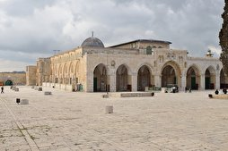 Israeli Police Force Muslims to Leave Al-Aqsa's Bab al-Rahma Prayer Area